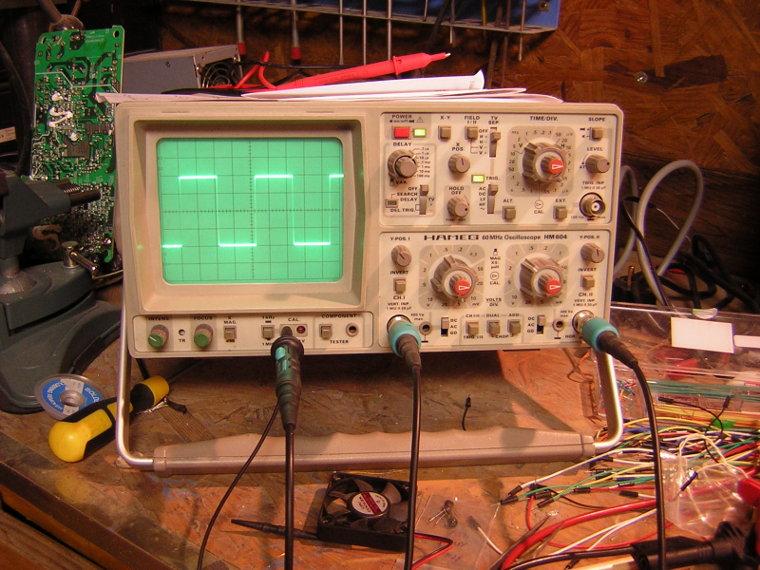 Hameg HM604 oscilloscope